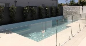 glass swimming pool fencing